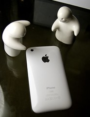 The iPhone has landed! (Erik K Veland) Tags: white pepper salt ufo aliens landing 3g shakers iphone 16gb whiteiphone