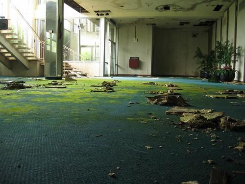 Pines Hotel main lobby 2004