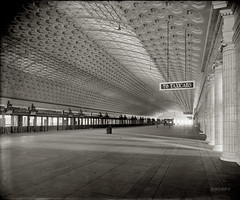 Union Station: 1921 (via Shorpy)