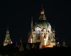 Hanover's Town Hall (binaryCoco) Tags: light night licht nacht cityhall hannover townhall rathaus marktkirche maschsee