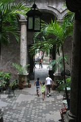 2008-07-21 01 Habana, el patio del Instituto c...