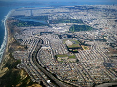 San Francisco / Daly City / Aerial / サンフランシスコ (Σταύρος) Tags: above ca parque sunset vacation lake northerncalifornia plane fly dc inflight highway aircraft altitude marin flight jet thecity aerial hwy highschool explore climbing westlake freeway windowview soirée dalycity takeoff parc skylineblvd rtw aerialphotography blvd vacanze airfrance tpc 1933 businessclass 1000views sfist westmoor arewethereyet 280 atop aerialphotograph golfclub aéreo olympicclub saofrancisco hwy280 insidetheplane explored worldbusinessclass skyteam freeway280 αεροπλάνο cabininterior mywinners aério sfgc theunforgettablepictures lespaceaffaires theperfectphotographer goldstaraward interiorcabin rubyphotographer sfaerial westmoorhigh sanfranciscogolfclub sfolympicclub lakemercedcountryclub thelakemercedcountryclub