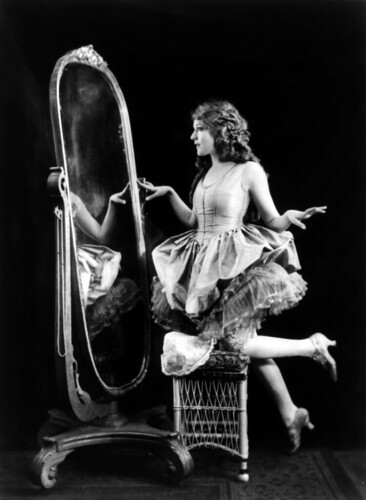 Mary Pickford by Alfred Cheney Johnston, 1920 par …trialsanderrors