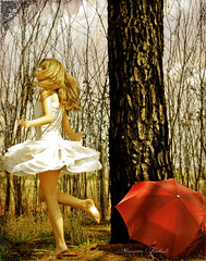 Dancing in your Dreams (Nika Fadul) Tags: red white tree girl umbrella hair dress dancing dream estrada blond spinning miranda uberlndia mnicafadul nikafadul lviafernandes