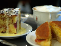 Lunch at Murchie's (mylin) Tags: food coffee victoria scone breadpudding 1on1 mylin murchies allrightsreserved 1on1photooftheweek 1on1photooftheweekoctober2008