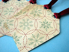 Snowflake gift tags (by glamourfae)