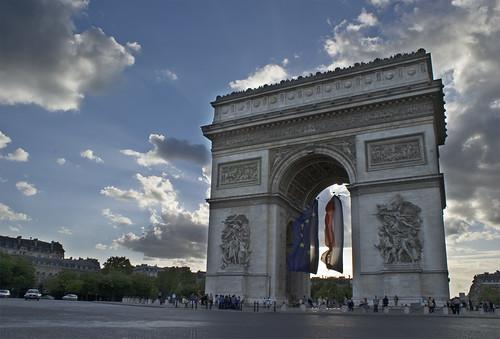 フリー画像| 人工風景| 建造物/建築物| 凱旋門| エトワール凱旋門| 門/ゲート| フランス風景| パリ|    フリー素材|