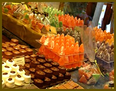 Belgian Chocolates & Pate de Fruits (blind_donkey) Tags: brussels shop chocolate bruxelles belgian shoppingcenter shoping marmalades a640 patedefruits bulgum