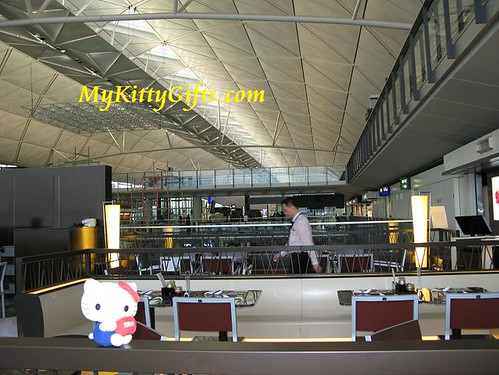 Hello Kitty have Breakfast at Cafe in Hong Kong Airport