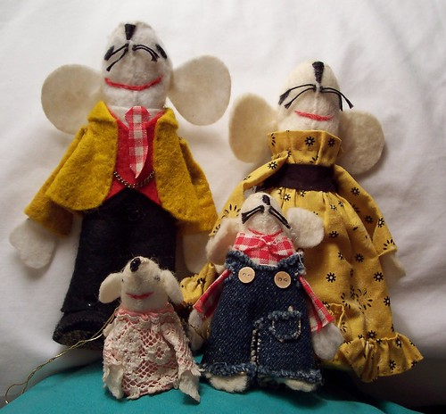 Mouse family Christmas ornaments