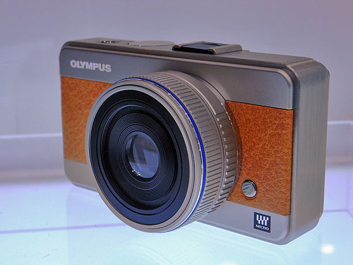 coming OLYMPUS Micro Four Thirds DSL camera (by HAMACHI!)