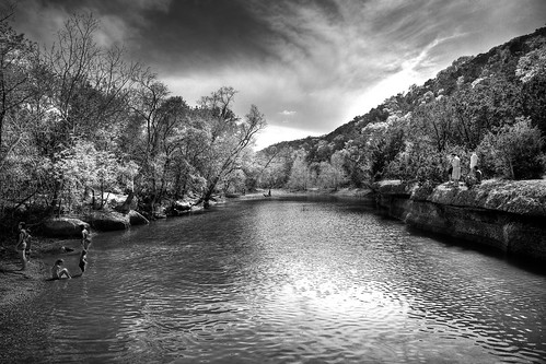 Black and White Barton Creek