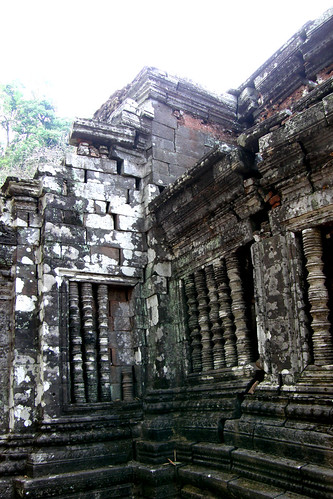 67.Wat Phu Champasak主殿也毀損嚴重