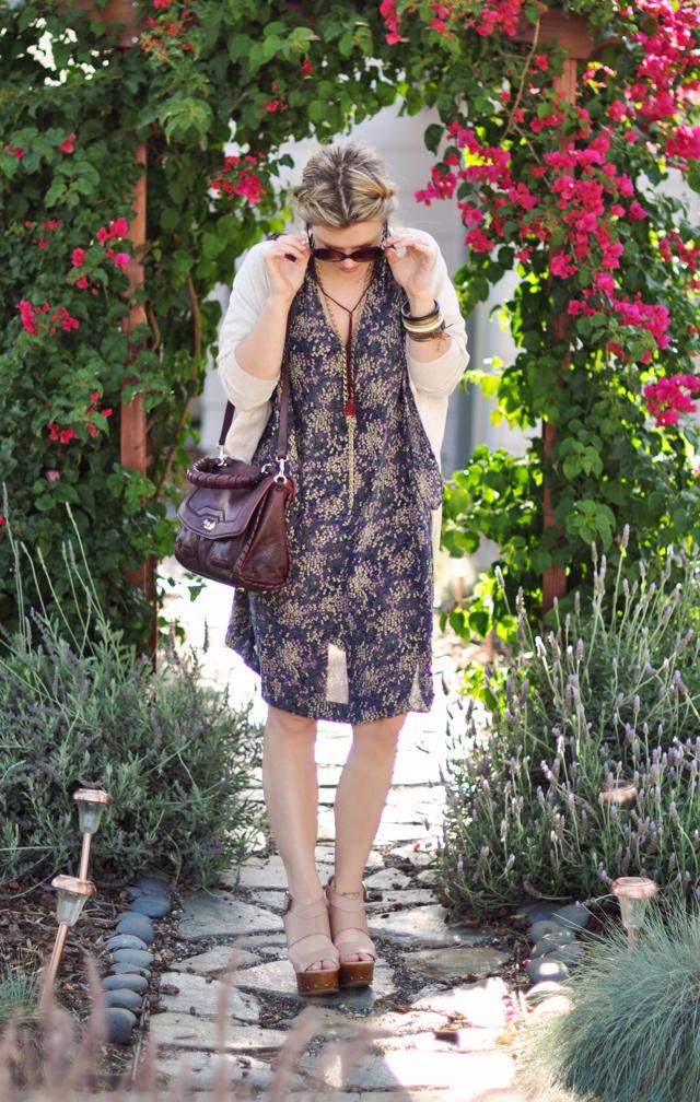 floral print dress and  cardigan+sunglasses+jewelry+fishtails