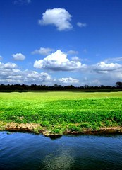 Avon meadows (tina negus) Tags: sky clouds river landscape meadows worcestershire avon eckington saariysqualitypictures