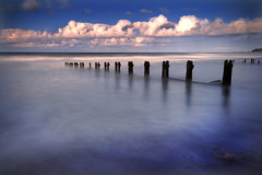 Sandsend, North Yorkshire (Corica) Tags: uk longexposure greatbritain beach landscape coast britain yorkshire tripod northsea northyorkshire groynes sandsend sigma1020mm gettingwet misting corica canon400d