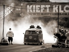1/4 mile DRAGSTRIP ACTION (bass_nroll) Tags: bus sepia vw race canon vintage bug drag european belgium belgique action explorer beetle drop racing explore modified burnout volks chimay aircooled toning g7 400m wagen bugin accelerazione dynodon taratarattataahhh buginii explorejul102008253 explorerjul102008253
