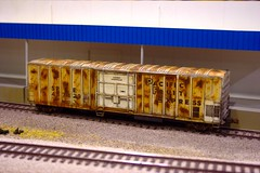 Super weathering (slambo_42) Tags: railroad scale model boxcar ho weathering