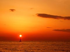 Nella vermiglia pace dei tramonti (Visualtricks) Tags: sunset red sea sun clouds boat versilia gbr tirreno imagepoetry theoldport theunforgettablepictures davincitouch poseidonsdance olindoguerrini olindoguerrinifuuneruditoecriticoletterariomilitante agileedattentoadogninuovavoceammoltofotografareeandareinbiciclettapertuttaitalia