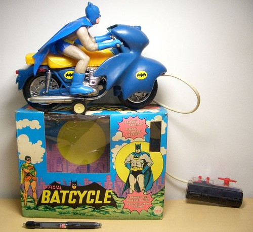 batman_batcycleahi.jpg
