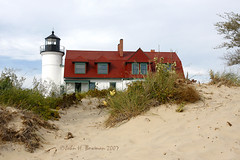 Point Betsie Lighthouse (John H Bowman) Tags: lighthouses michigan september lakemichigan greatlakes 2007 canon1740l michiganlighthouses benziecounty september2007 nrhp greatlakeslighthouses lakemichiganlighthouses anawesomeshot pointbetsielight lighthousetrek