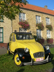 The most beautiful charleston: the yellow one (Stinoo) Tags: yellow jaune citroën charleston gelb giallo 2cv geel eend geit gele gialla 2pk deuche