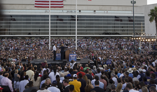 20081020_Tampa_FL_SteinbrennerStadiumRally0708 by Barack Obama.