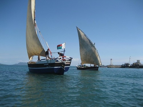 dhows passing