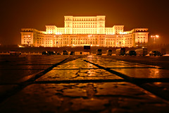 Palace of the Parliament, Bucharest (Giuseppe Bognanni) Tags: world records building book parliament palace guinness most romania expensive bucharest regime palatul parlamentului bukarest heaviest administrative ceauescu parlamentspalast