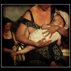 The Hands of Love (Osvaldo_Zoom) Tags: baby love mom hands child mother mamma mains amore mre 500x500 littlestories artlibre goldsealofquality explorephotostakenwiththepowershotg7 picswithsoul lesmainsdelamour magicdonkeysbest