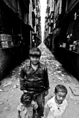 Lallubhai Compund  Oxfam (lecercle) Tags: poverty life buildings children cities projects mumbai yuva urbanpoor bombayyuva