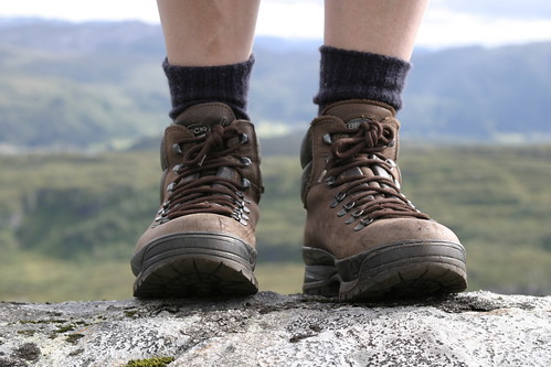 hiking boots deals