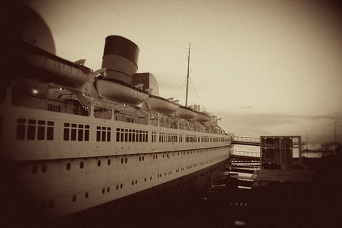 Queen Mary - Port Side (to Stern)