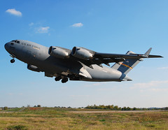 US-Air Force Boeing C-17A Globemaster III (97-0042) (Michael Davis Photography) Tags: airplane photography nashville aviation flight jet c17 airforce departure usaf takeoff runway usairforce kbna cargoplane militaryjet cargojet boeingc17 970042