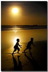 freeze! ('PixelPlacebo') Tags: sky bali sun beach water backlight dawn twilight corona yeh 16000 gangga fccphotochallenge fccwinner
