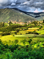 OL_1871_TM_01 (Jordi Bri) Tags: camp espaa landscape spain village country paisaje olympus catalonia campo catalunya tone catalua mapped paisatge espanya pallars poble e510 puebo tonemapped flickrsbest sobira mywinners abigfave peramea aplusphoto diamondclassphotographer flickrdiamond proudshopper theperfectphotographer flickrestrellas multimegashot rubyphotographer overtheshot jordibrio