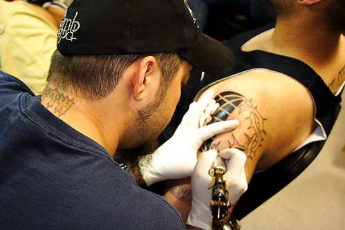 How much does it hurt to get a tattoo? How much does it cost?