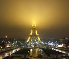 Light my fire (comare *Ambra*) Tags: paris france night lights toureiffel torreeiffel luci trocadero francia soe notte parigi