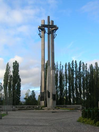 MONUMENTO EN LOS ASTILLEROS