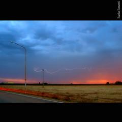questa sera ho preso un fulmine.... (paolo.benetti) Tags: nikon italia tramonto nuvole nuvola campagna ferrara temporale lampo naturalmente fulmine d80 voghiera theunforgettablepictures theunforgettablepicture colourartaward reflectyourworld