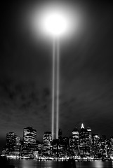 Tribute in Light (dicksoto) Tags: newyorkcity longexposure searchthebest manhattan worldtradecenter 911 brooklynheightspromenade twintowers wtc tributeinlight september11th nycskyline anawesomeshot aplusphoto platinumheartaward