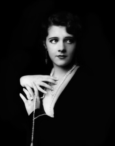 Ruby Keeler, Ziegfeld girl, by Alfred Cheney Johnston, ca. 1929 par …trialsanderrors