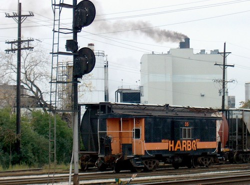 The Indiana Harbor Belt Argo Yard. Summit Illinois. October 2006. by Eddie from Chicago