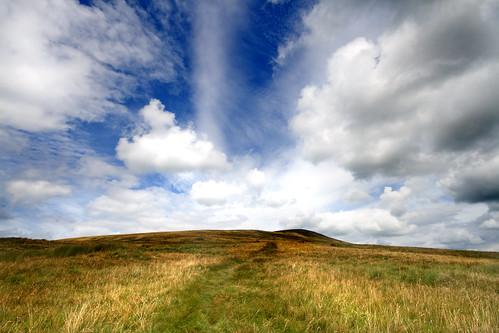 フリー画像| 自然風景| 丘の風景| 草原の風景| 雲の風景| イギリス風景|      フリー素材|