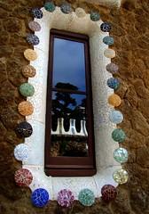 reflejos de domingo 2 (B@B) Tags: park window ventana gaudi reflejo guell domingo a3b