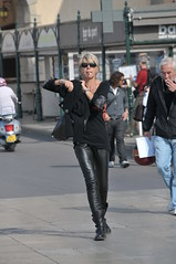 St. Tropez (FaceMePLS) Tags: france sunglasses frankreich boots cigarette leer sttropez smoking frankrijk francia sigaret lafrance roken leatherpants fumer zonnebril laarzen facemepls nikond300 vrouwwomanlafemme