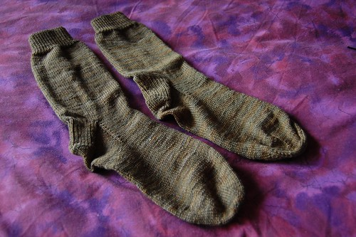 finished: plain cedar socks