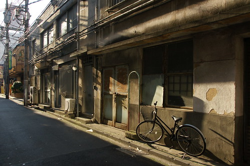 Alley in old Yokohama by lioil