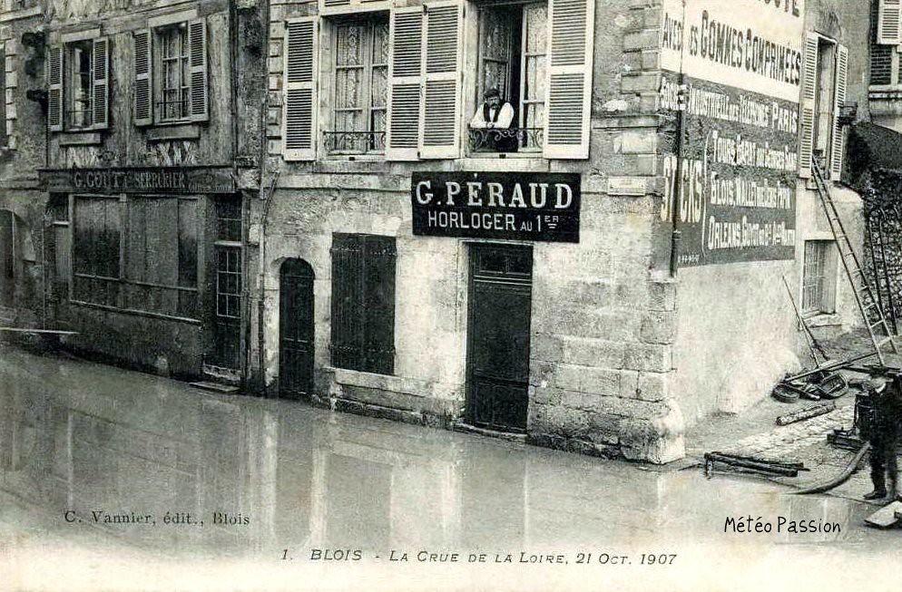 boutique à Blois pendant l'inondation du 21 octobre 1907