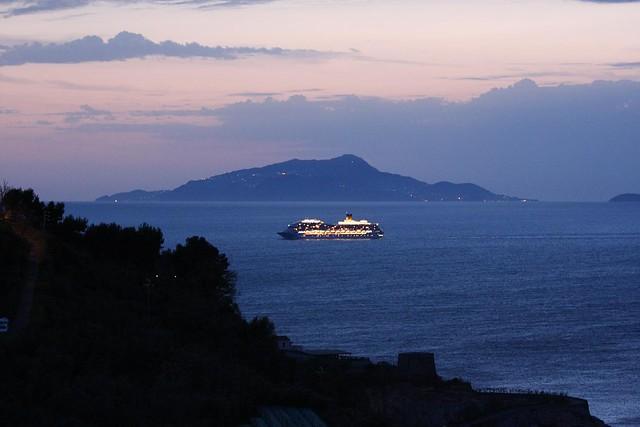 cruise ship and capri